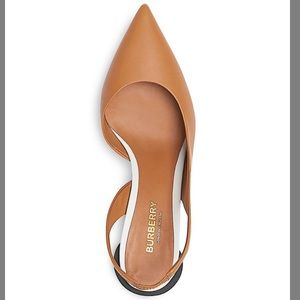 Burberry leather pump